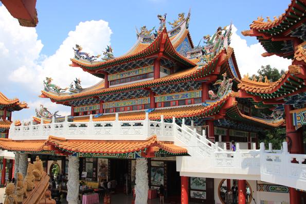 マレーシア・クアラルンプール 観光7 -天后宮- 鮮やかな中国寺院から市内が一望!
