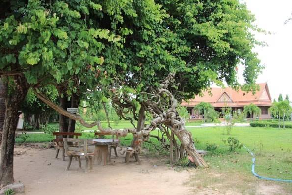 カンボジアのキリングフィールド(チュンエク)