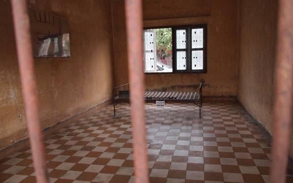 トゥールスレン虐殺博物館 (S21)