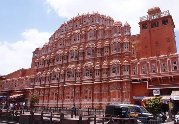 インドのピンクシティ・ジャイプール・風の宮殿 (ハワー・マハル(HAWA MAHAL)