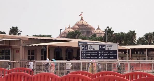 インドデリーのヒンドゥーテーマパークアク「シャルダム寺院 (Akshardham)」