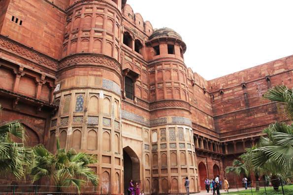 アグラ観光3 タージマハルの建造者が幽閉された世界遺産「アグラ城塞」