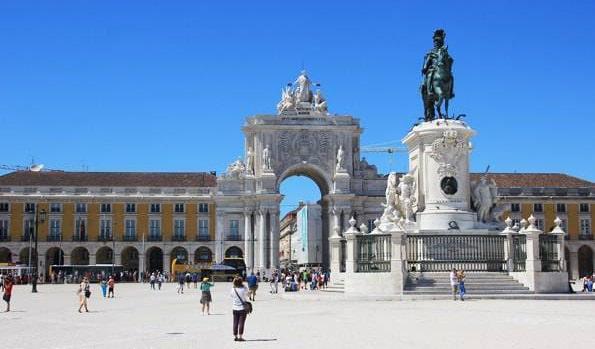 ポルトガル・リスボンのコメルシオ広場(Praça do Comércio)