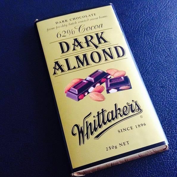 ウィッタカーズ(Whittaker's)アーモンドチョコレート