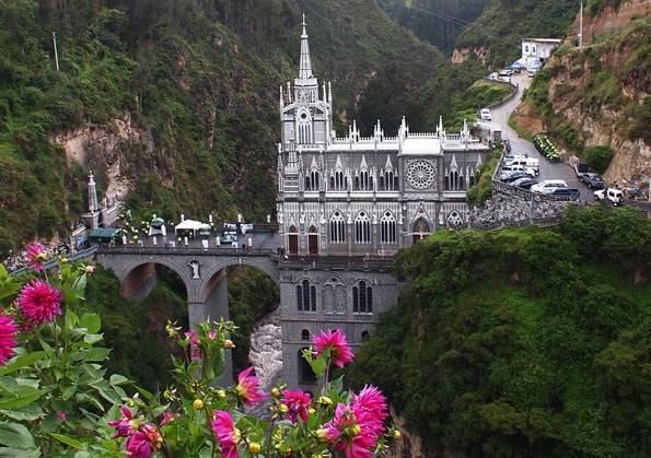 コロンビアのラスラハス教会・世界一美しい教会