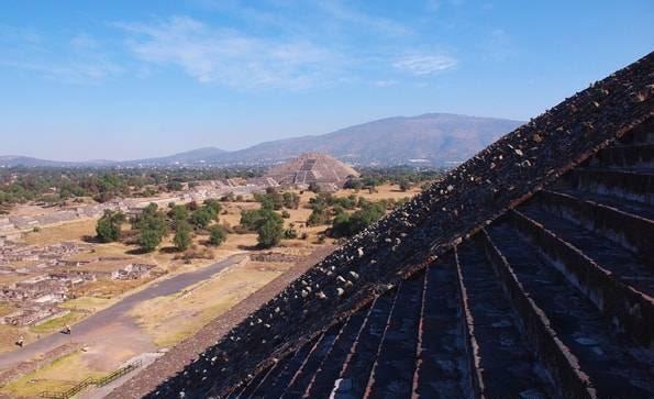 世界遺産「テオティワカン遺跡」太陽のピラミッド