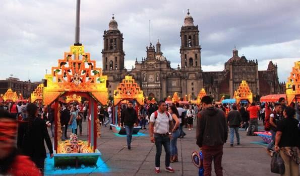 メキシコシティ世界遺産セントロイストリコの「ソカロ」