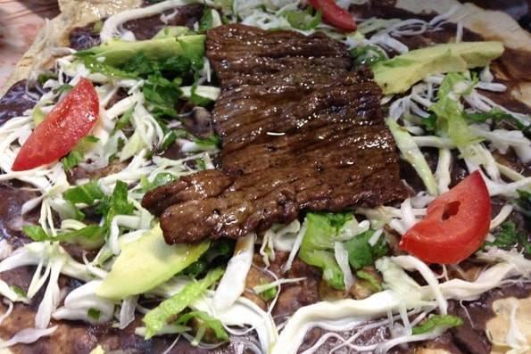 メキシコ料理トラユーダ(Tlayuda)