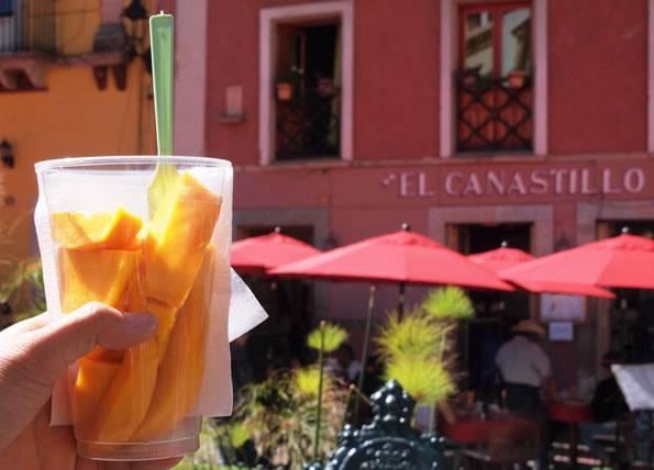 メキシコのカットフルーツ