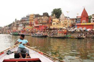 沐浴とかカオス凄い【汚すぎるガンジス川】インドのバラナシ旅行記
